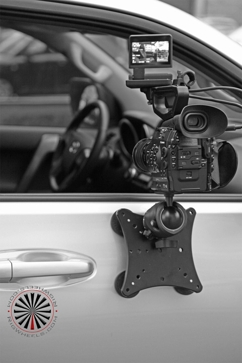 rigwheels rigmount x magnetic car mount zootee studios. Black Bedroom Furniture Sets. Home Design Ideas