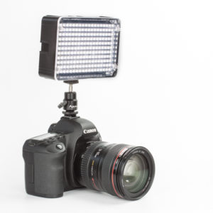 aputure-al-h198-high-cri-95-portable-led-panel-light-with-hotshoe-mount-diffuser-and-bag-08